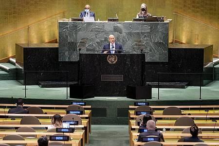 Israels Ministerpräsident Naftali Bennett spricht bei der UN-Vollversammlung in New York. Foto: John Minchillo/POOL AP/dpa