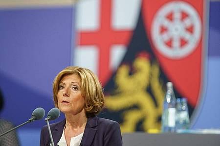 Die rheinland-pfälzische Ministerpräsidentin Malu Dreyer (SPD) regiert zusammen mit FDP und Grünen. Foto: Frank Rumpenhorst/dpa