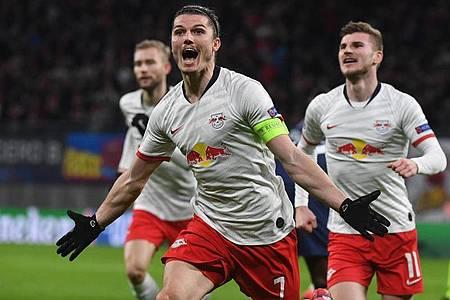 Marcel Sabitzer (M) war mit seinen zwei Toren Matchwinner beim Leipziger Heimsieg gegen Tottenham Hotspur. Foto: Hendrik Schmidt/dpa-Zentralbild/dpa