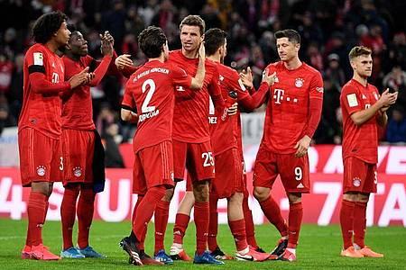 Der FC Bayern wird auch nach dem 23. Bundesliga-Spieltag die Tabelle anführen. Foto: Angelika Warmuth/dpa