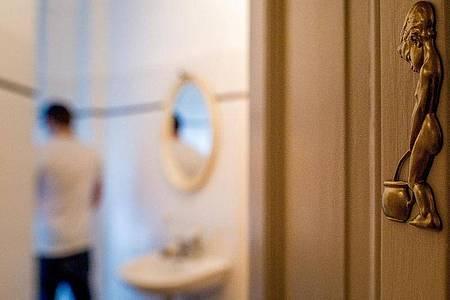 Beschwerden beim Urinieren können ihre Ursache in der Prostata haben. Foto: Franziska Gabbert/dpa-tmn