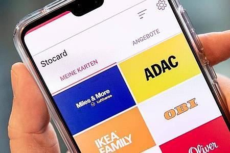 Virtuelle Kundenkarten in der Stocard-App. Foto: Zacharie Scheurer/dpa-tmn