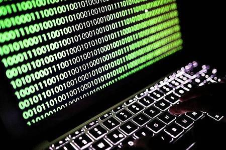 Die US-Regierung räumt der Cybersicherheit nach eigenen Angaben einen so hohen Stellenwert ein «wie nie zuvor». Foto: Oliver Berg/dpa