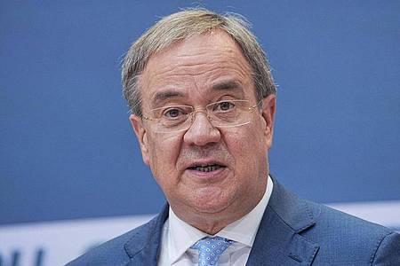 Die Frage, ob Armin Laschet (CDU) in der Union nach der Wahlschlappe den Takt angibt, wird immer häufiger gestellt. Foto: Michael Kappeler/dpa