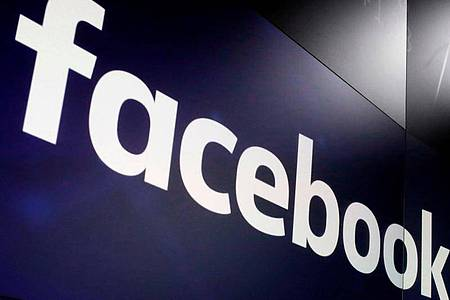 Generalstaatsanwälte aus 14 US-Bundesstaaten wollen von Facebook wissen, ob prominente Impfgegner bei dem Online-Netzwerk von einer Sonderbehandlung profitiert haben. Foto: Richard Drew/AP/dpa