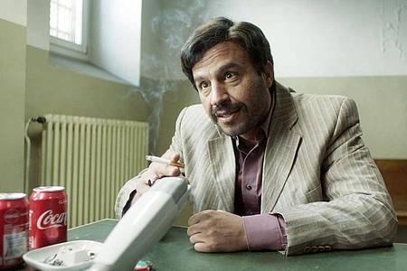 Dar Salim als Rafid Alwan in einer Szene des Films «Curveball - Wir machen die Wahrheit». Foto: Sten Mende/Filmwelt/dpa