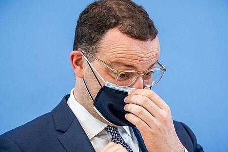 Gesundheitsminister Jens Spahn nach einer Pressekonferenz zur Corona-Lage. Foto: Michael Kappeler/dpa