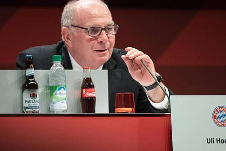 Fordert eine lange Pause aufgrund der Corona-Krise: Ex-Bayern-Boss Uli Hoeneß. Foto: Sven Hoppe/dpa