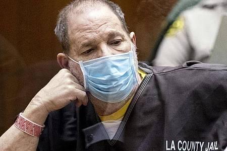 Auf Harvey Weinstein kommt in Los Angeles ein weiterer Prozess zu. Foto: Etienne Laurent/EPA Pool via AP/dpa