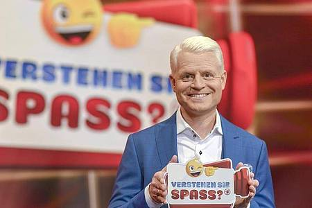 Guido Cantz blickt zurück und fragt: «Verstehen Sie Spaß?». Foto: Wolfgang Breiteneicher/SWR/ARD/dpa