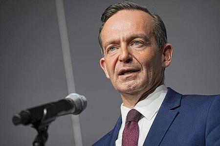 FDP-Generalsekretär Volker Wissing hat die finanzpolitischen Forderungen der FDP noch einmal betont. Foto: Michael Kappeler/dpa