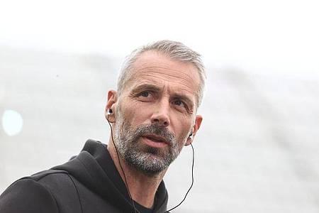 Kann bei Besiktas Istanbul auf Verteidiger Mats Hummels zurückgreifen:BVB-Coach Marco Rose. Foto: Rolf Vennenbernd/dpa