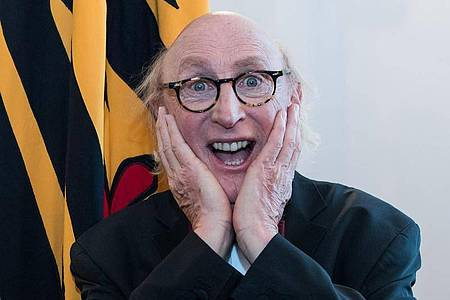 Dem Komiker Otto Waalkes steht wieder einmal ein Preis ins Haus. Foto: Bernd von Jutrczenka/dpa