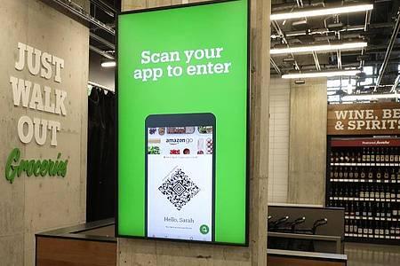 Supermarkt «Amazon Go Grocery Store»:Der Online-Händler hat seine Techniologie zum Einkaufen ohne Kassen erstmals bei einem anderen Einzelhändler untergebracht. Foto: Ted S. Warren/AP/dpa
