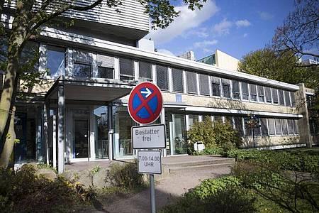 Das Institut für Rechtsmedizin in Hamburg gilt als eines der renommiertesten in Deutschland - das geht auch auf den verstorbenen Werner Janssen zurück. Foto: picture alliance / Christian Charisius/dpa