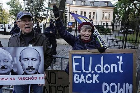 In vielen Großstädten Polens sind für heute Proteste angekündigt. Foto: Czarek Sokolowski/AP/dpa