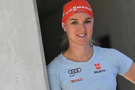 Würde gerne ganz normal trainieren, muss aber improvisieren: Top-Biathlin Denise Herrmann. Foto: Angelika Warmuth/dpa