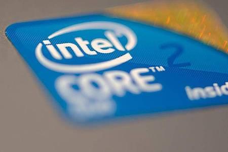 In Prozessoren von Intel sind weitere Sicherheitslücken entdeckt worden, über die Angreifer sensible Daten wie Passwörter auslesen können. Foto: Ralf Hirschberger/dpa