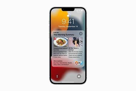 Briefing-Time: Mitteilungen kann man sich jetzt für beliebige Zeiträume und zu beliebigen Zeitpunkten zu praktischen Übersichten zusammenfassen lassen. Foto: Apple Inc./dpa-tmn