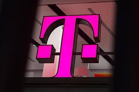 «Behördenmail» adé: Aus Gründen der Wirtschaftlichkeit steigt die Telekom aus dem De-Mail-Geschäft aus. Foto: Rainer Jensen/dpa