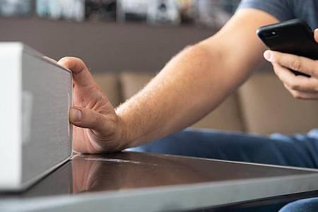 In aller Regel geht die Einrichtung von WLAN-Lautsprechern intuitiv von der Hand. Foto: Franziska Gabbert/dpa-tmn