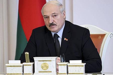 Der belarussische Machthaber Alexander Lukaschenko geht weiter gegen die Opposition imLand vor. Foto: Sergei Shelega/BelTA/AP/dpa