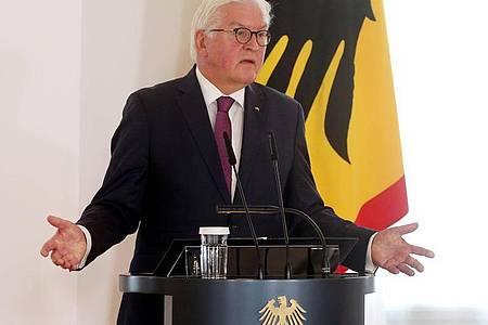 Bundespräsident Frank-Walter Steinmeier im Schloss Bellevue. Foto: Wolfgang Kumm/dpa