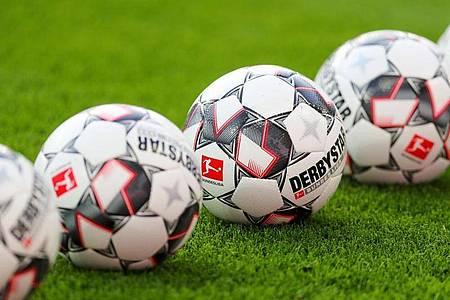 In Baden-Württemberg dürfen Profi-Fußballer das Training in Kleingruppen wieder aufnehmen. Foto: Jan Woitas/dpa-Zentralbild/dpa