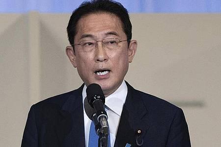 Neuer Regierungschef Japans soll der frühere Außenminister Fumio Kishida werden. Foto: Carl Court/Pool Getty Images/AP/dpa