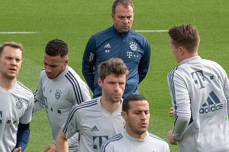 Bastelt am FCBayern für die kommende Saison: Coach Hansi Flick. Foto: Peter Kneffel/dpa