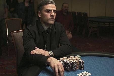 """Oscar Isaac in einer Szene aus """"The Card Counter"""". Der Film läuft bei den Filmfestspielen von Venedig im Wettbewerb. Foto: Uncredited/Focus Features via AP/dpa"""