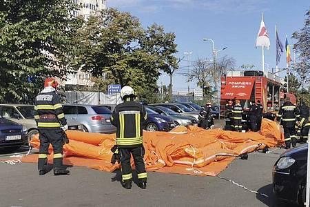 Bei einem Großbrand in einem Krankenhaus in der rumänischen Schwarzmeer-Stadt Constanta sind sieben Menschen ums Leben gekommen. Foto: Uncredited/IGSU Romania/AP/dpa