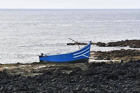 Immer wieder versuchen Migranten, in kleinen Booten von Nordafrika nach Spanien zu gelangen. Symbolbild. Foto: Europa Press/EUROPA PRESS/dpa