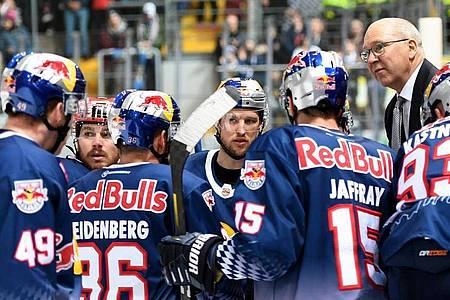 Sollten keine Playoffs stattfinden wäre der EHC Red Bull München deutscher Meister. Foto: Angelika Warmuth/dpa