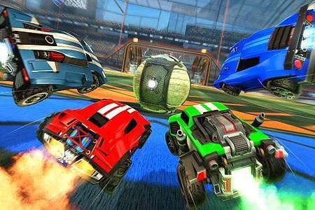 Flotte Autos und ein riesiger Ball: Das Auto-Fußball-Spiel «Rocket League» funktioniert gemeinsam sehr gut. Foto: Psyonix/dpa-tmn