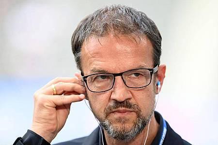 Nahm sich Hertha-Coach Pal Dardai zur Brust: Fredi Bobic. Foto: Soeren Stache/dpa-Zentralbild/dpa