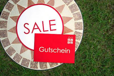 Roter Gutschein im Sale