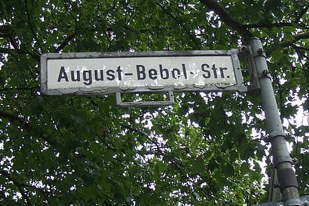 Straßenschild August-Bebel-Straße