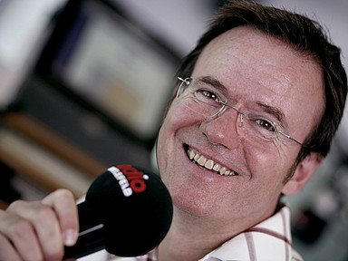 Foto von Andreas Liebold im Radio Bielefeld-Studio